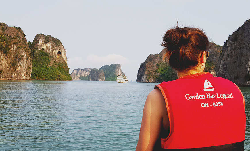 A true experience in Bai Tu Long Bay on an original Cruise